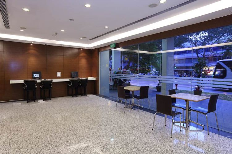 Value Hotel Balestier - Lobby with computer and internet connectivity