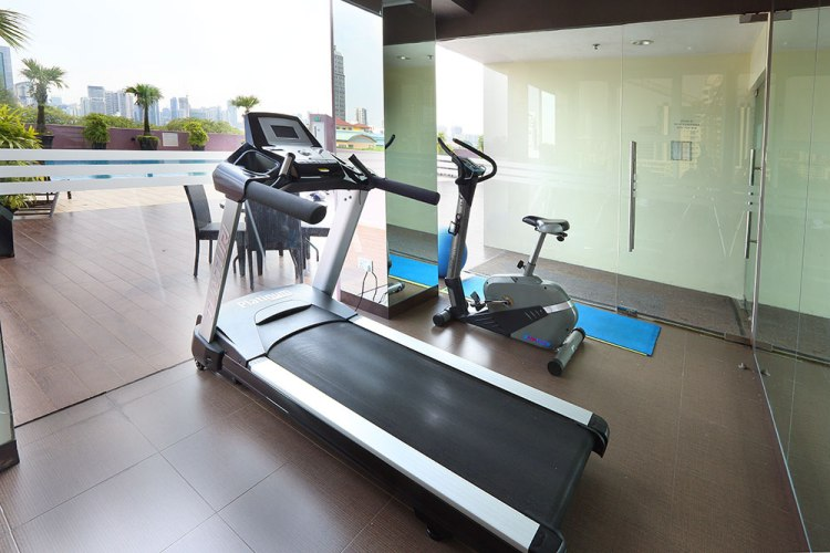 Value Hotel Thomson - equipped with simple utilitarian gym